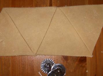 قطعي مثلثات بطول 12 أو 14 سنتيمتر