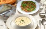 أطباق رمضانية: شربة الدجاج بالكريمة، كفتة التونة و الخضر و كيك سائلة