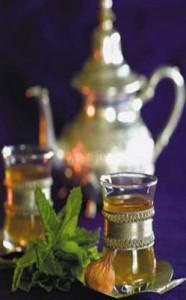 شاي مغربي بالنعناع