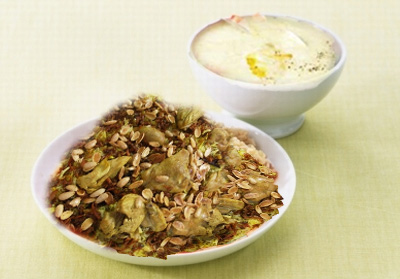 أطباق رمضانية: شوربة الحليب، أرز بالدجاج و المكسرات و سلطة تركية