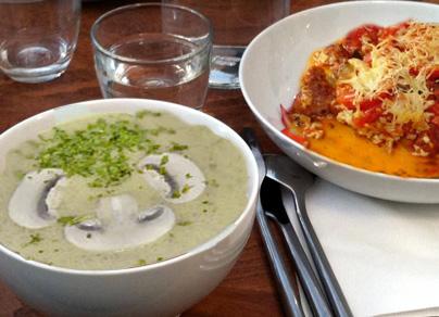 أطباق رمضانية: شوربة فطر، طاجين طماطم ومكعبات الفواكه