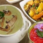 أطباق رمضانية: شوربة فول و فطر، مرقة خضار و شراب الفراولة