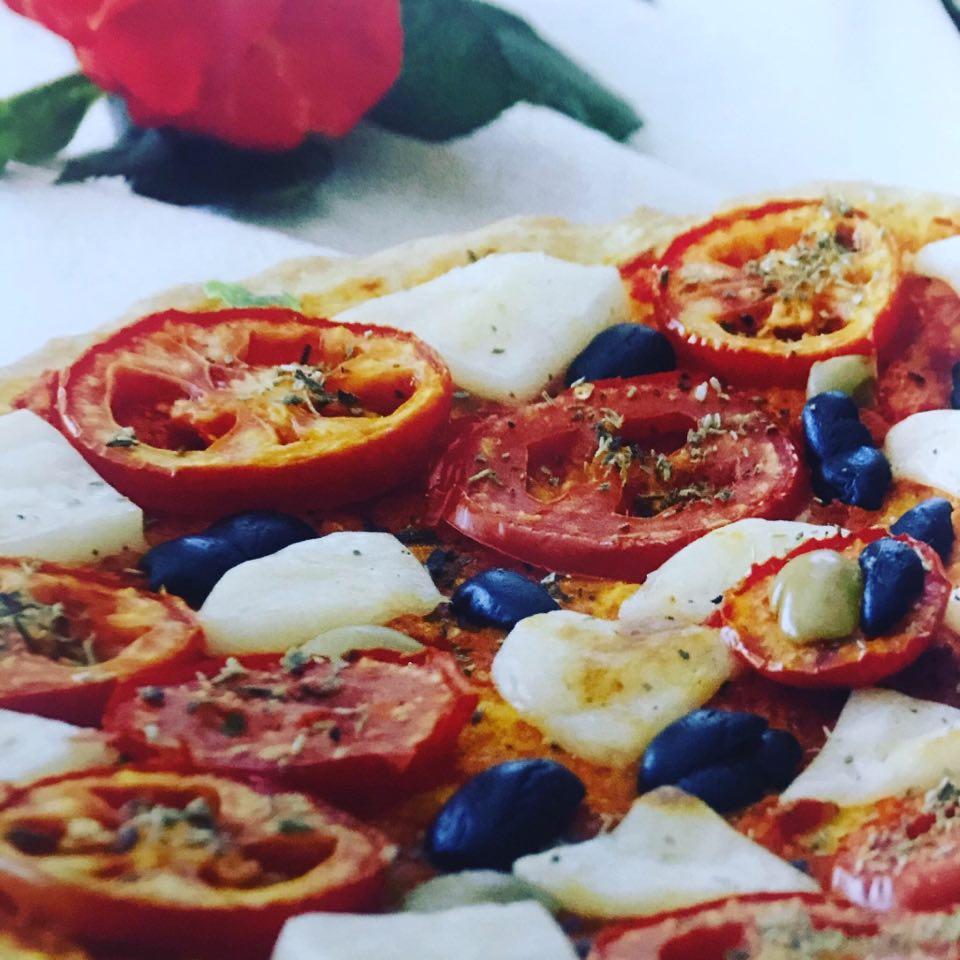 طريقه عمل البيتزا نابوليتان تقليديّة